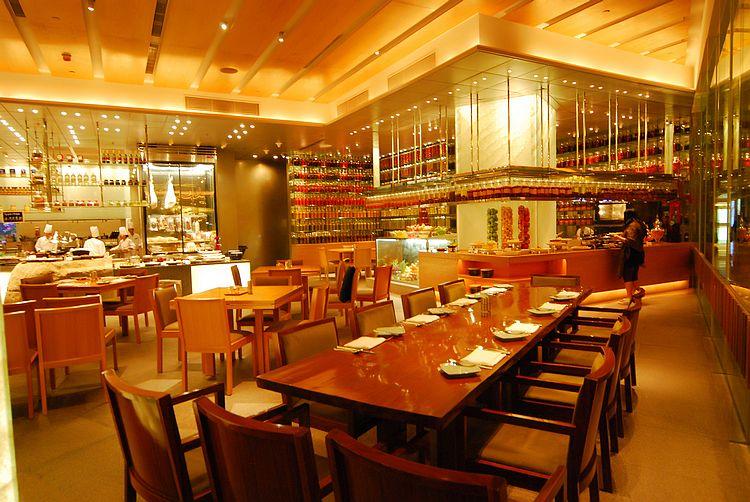 限時特惠后,每日前10名还再減10元!就在澳門美高梅盛事餐廳海鮮自助晚餐。